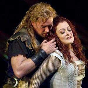 Jay Hunter Morris (Siegfried) and Deborah Voigt (Brünnhilde)