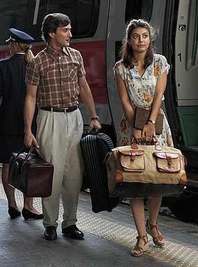 Alessandro Tiberi as Antonio and Alessandra Mastronardi as Milly