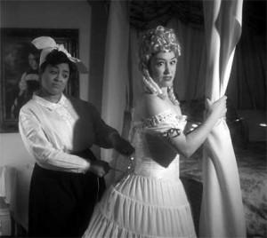 Kami Rushell Smith as Vera Stark, Hannah Husband as Gloria Mitchell in 'By The Way, Meet Vera Stark'