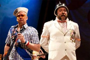Robert McLean as the Pirate King, Matt Kahler as the Major General in 'The Pirates of Penzance'