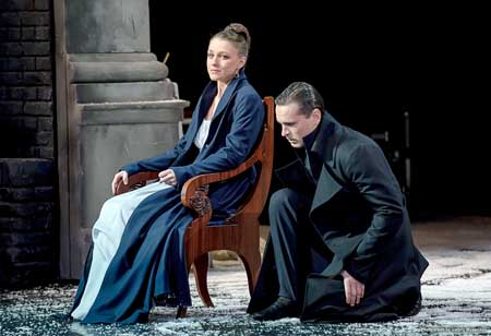 Eugenia Kregjde as Tatyana, Viktor Dobronravov as Young Onegin in 'Eugene Onegin'