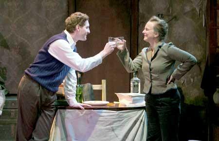 Ed Hoopman as Robert Lowell, Laura Latreille as Elizabeth Bishop in 'Dear Elizabeth'