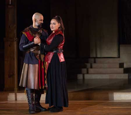 Nael Nacer as Macbeth, Jordan Clark as Lady Macbeth in 'Macbeth'