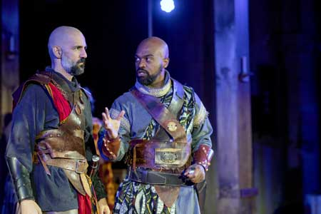 Nael Nacer as Macbeth, Maurice Parent as Banquo in 'Macbeth'